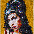 Amy Winehouse, retratada con píldoras